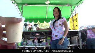 CARNE DEL MERCADO – Sexy curvy Colombian Sara Restrepo picked up and fucked hard